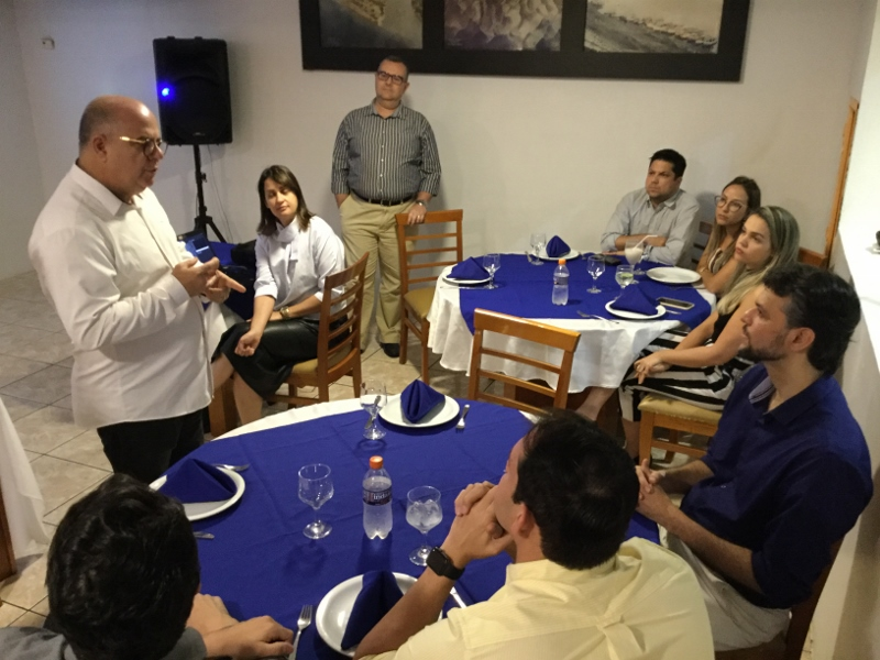 LaboÓptica e ZEISS recebem oftalmologistas em jantar